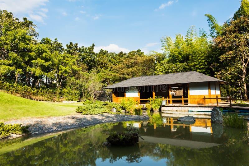 Όμορφη άποψη του ιαπωνικού κήπου στοκ φωτογραφίες