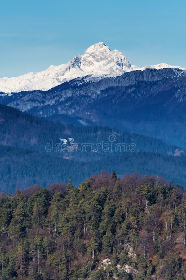 Όμορφη άποψη του υποστηρίγματος Triglav, υψηλότερη αιχμή στις σλοβένικες Άλπεις μια ηλιόλουστη ημέρα στοκ φωτογραφία με δικαίωμα ελεύθερης χρήσης