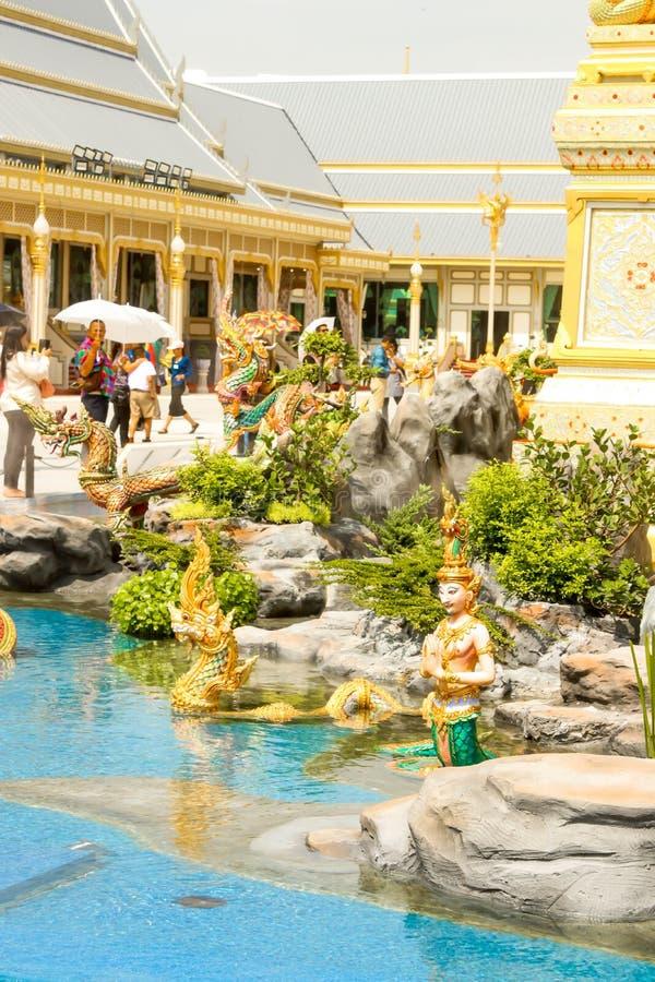 Όμορφη άποψη του χρυσού το βασιλικό κρεματόριο για Α.Μ. ο πρώην βασιλιάς Bhumibol Adulyadej στις 4 Νοεμβρίου 2017 στοκ εικόνες