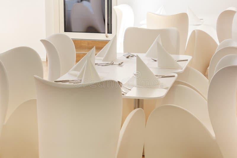 Όμορφη άσπρη να δειπνήσει περιοχή στοκ εικόνα με δικαίωμα ελεύθερης χρήσης