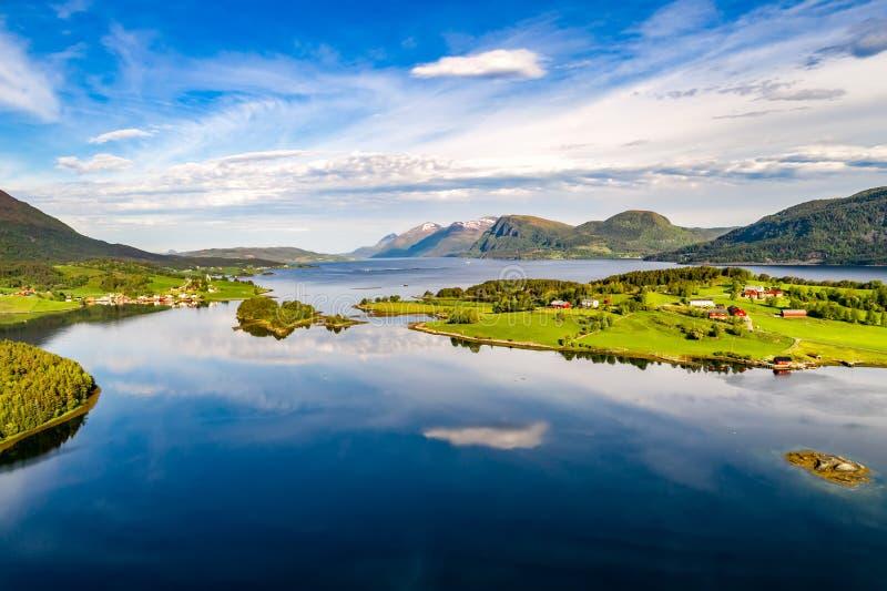 Όμορφη αεροφωτογραφία της Νορβηγίας φύσης στοκ εικόνες