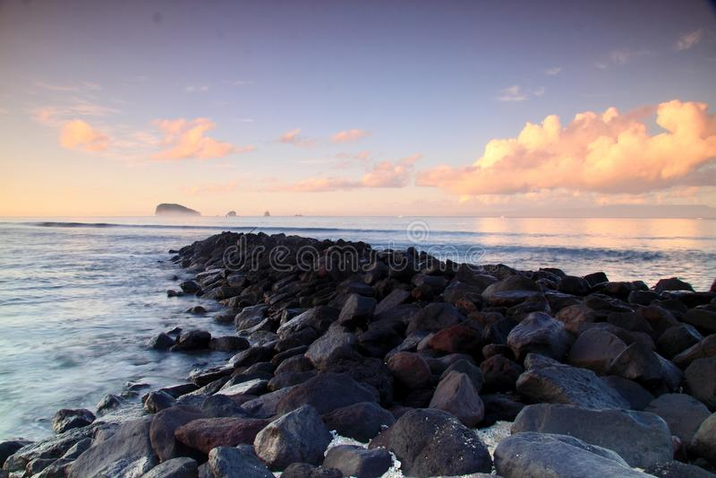 Όμορφη ανατολή στην παραλία Candidasa στοκ φωτογραφία με δικαίωμα ελεύθερης χρήσης