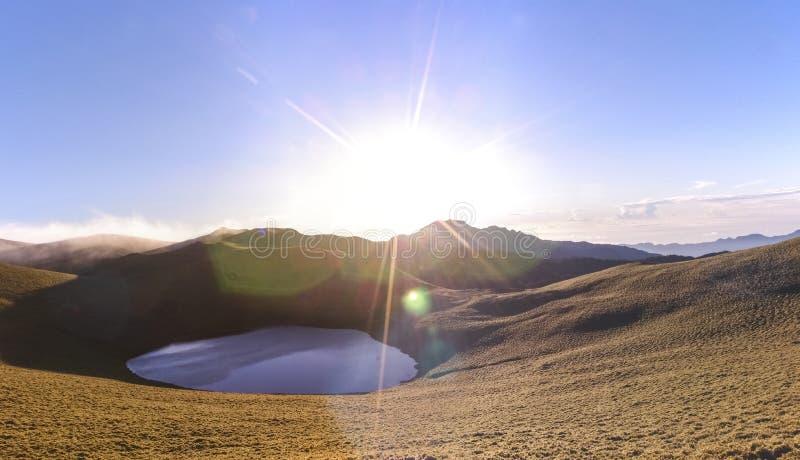 Όμορφη ανατολή της λίμνης Jiaming LakeChiaming στη κομητεία Taitung, Ταϊβάν στοκ φωτογραφίες