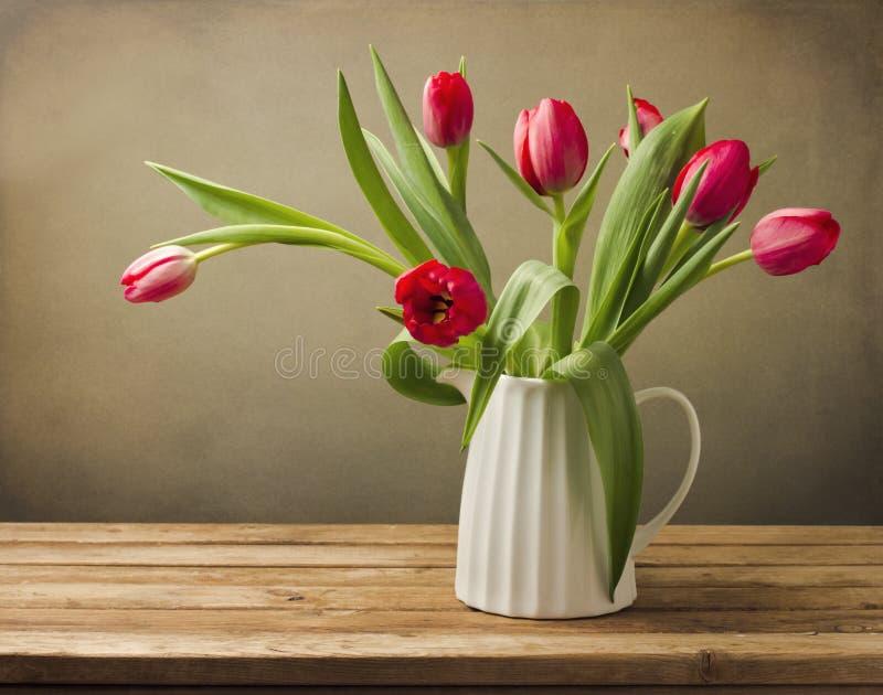 Όμορφη ανθοδέσμη λουλουδιών τουλιπών στοκ εικόνες με δικαίωμα ελεύθερης χρήσης
