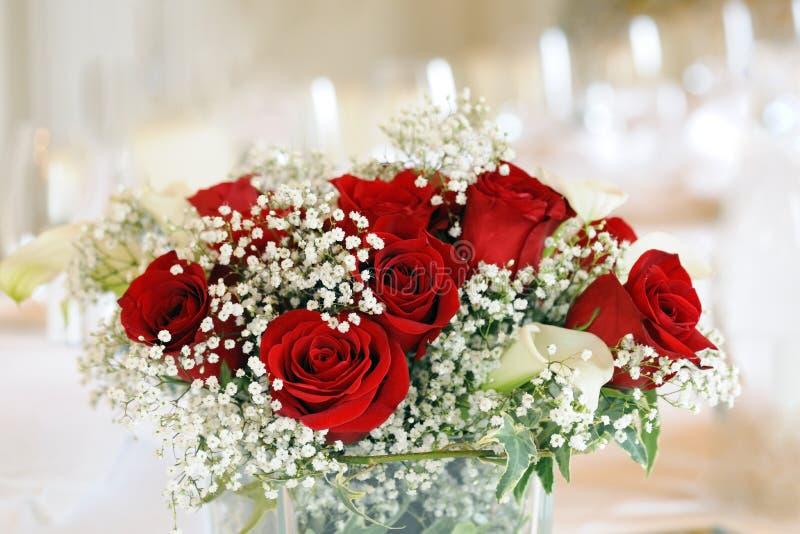 Όμορφη γαμήλια floral διακόσμηση στοκ φωτογραφία με δικαίωμα ελεύθερης χρήσης