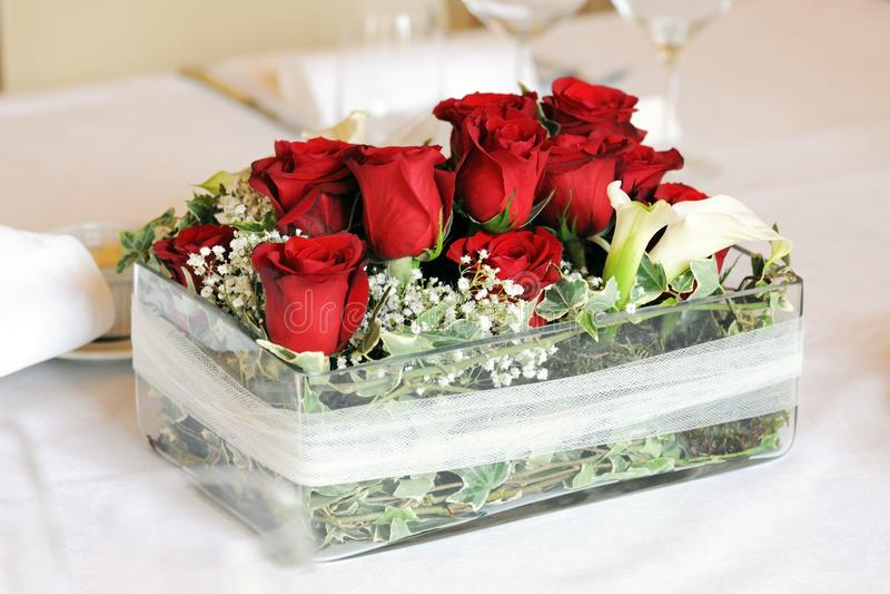 Όμορφη γαμήλια floral διακόσμηση στοκ φωτογραφία