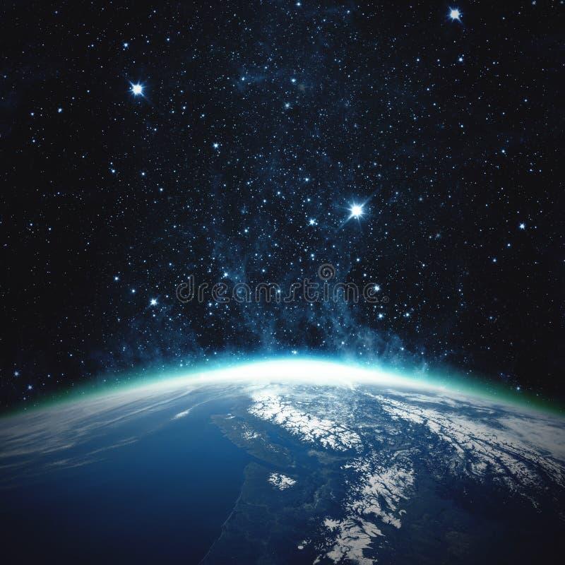 όμορφη γη Ευρώπη πέρα από τον ήλιο αύξησης πλανητών Στοιχεία αυτής της εικόνας που εφοδιάζεται από τη NASA στοκ φωτογραφίες με δικαίωμα ελεύθερης χρήσης