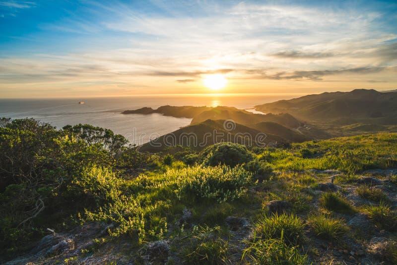 Όμορφη γραφική θέα ηλιοβασίλεμα πάνω από τα ακρωτήρια του Μαρίν και τον Ειρηνικό Ωκεανό κοντά στο Σαν Φρανσίσκο, Καλιφόρνια, ΗΠΑ στοκ φωτογραφίες