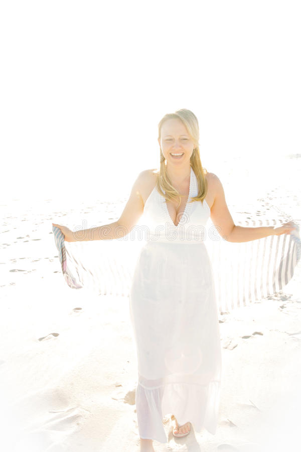 όμορφη γυναίκα ήλιων στοκ φωτογραφίες