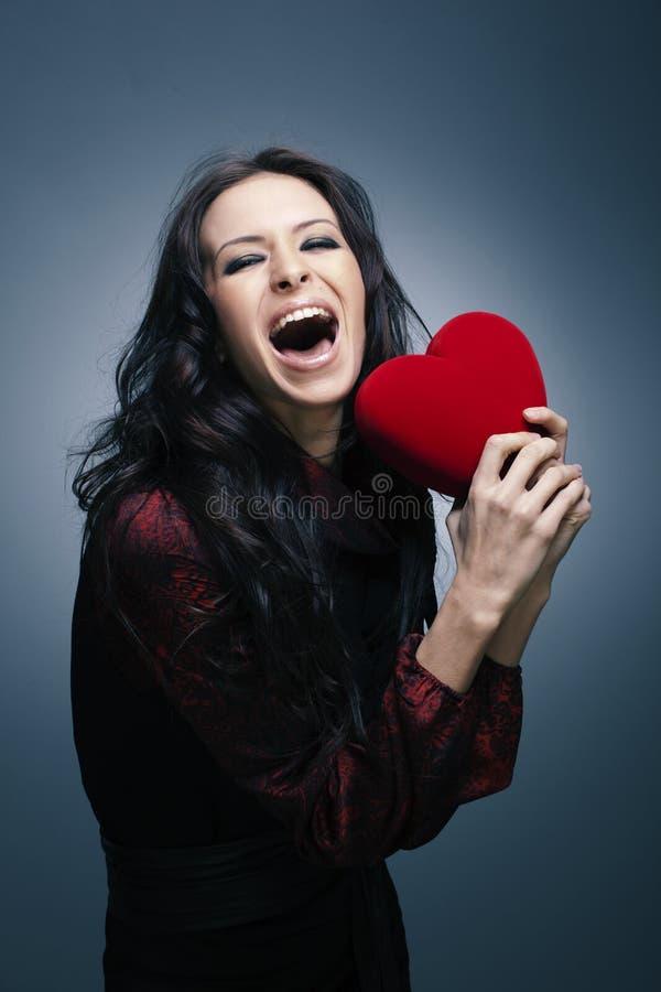 όμορφη γυναίκα βαλεντίνων ημέρας s χαμογελώντας στοκ εικόνες