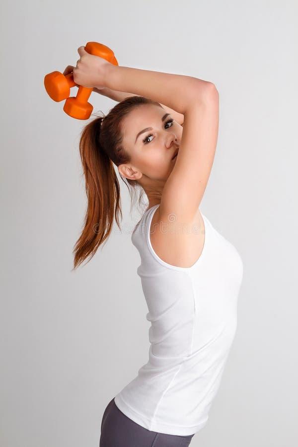 όμορφη γυναίκα γυμναστική στοκ φωτογραφίες