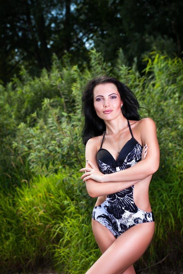 όμορφη γυναίκα επεξεργασίας θέματος ομορφιάς bodycare skincare λεπτή στοκ φωτογραφία με δικαίωμα ελεύθερης χρήσης