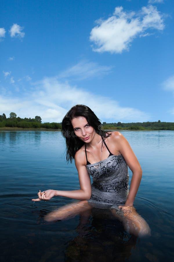 όμορφη γυναίκα επεξεργασίας θέματος ομορφιάς bodycare skincare λεπτή στοκ εικόνες με δικαίωμα ελεύθερης χρήσης