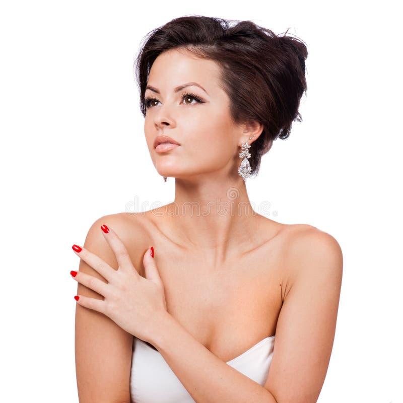 Όμορφη γυναίκα με τη σύνθεση βραδιού. Κόσμημα και ομορφιά. στοκ φωτογραφία με δικαίωμα ελεύθερης χρήσης