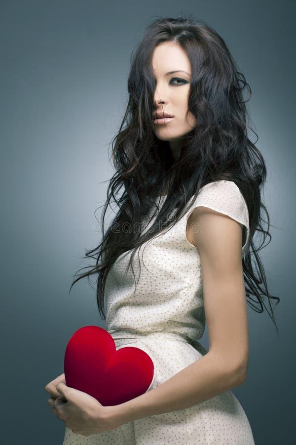 όμορφη γυναίκα πορτρέτου τριχώματος τέλεια στοκ φωτογραφία με δικαίωμα ελεύθερης χρήσης
