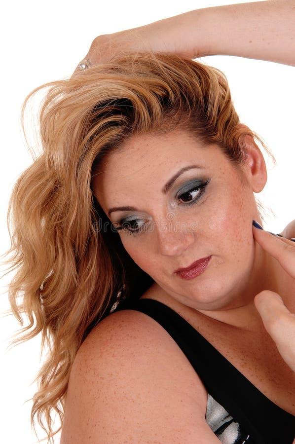 Όμορφη γυναίκα σε έναν επικεφαλής βλαστό πορτρέτου στοκ φωτογραφία με δικαίωμα ελεύθερης χρήσης