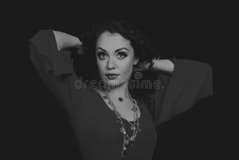Όμορφη γυναίκα τσιγγάνων στην εικόνα στοκ εικόνες με δικαίωμα ελεύθερης χρήσης