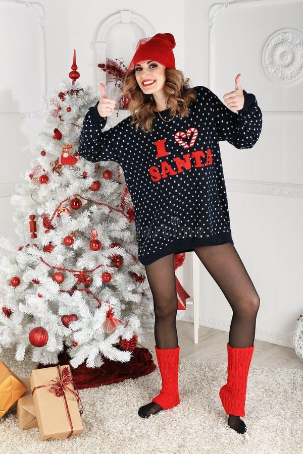 Download όμορφη γυναίκα όπως η ανασκόπηση είναι μπορεί θέμα απεικόνισης Χριστουγέννων χρησιμοποιούμενο Στοκ Εικόνες - εικόνα από διασκέδαση, ευτυχία: 62702092