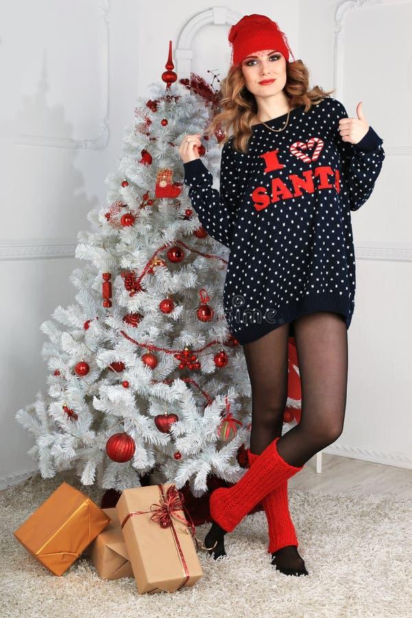 Download όμορφη γυναίκα όπως η ανασκόπηση είναι μπορεί θέμα απεικόνισης Χριστουγέννων χρησιμοποιούμενο Στοκ Εικόνες - εικόνα από παρόν, χριστούγεννα: 62702178