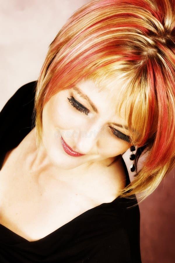Download Όμορφη γυναίκα στοκ εικόνα. εικόνα από χαμόγελο, γοητευτικός - 22792643