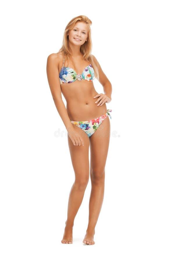 Όμορφη γυναίκα bikini στοκ εικόνα με δικαίωμα ελεύθερης χρήσης
