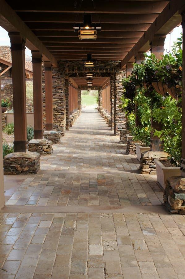 Όμορφη διάβαση πεζών με τον άξονα στοκ φωτογραφία με δικαίωμα ελεύθερης χρήσης