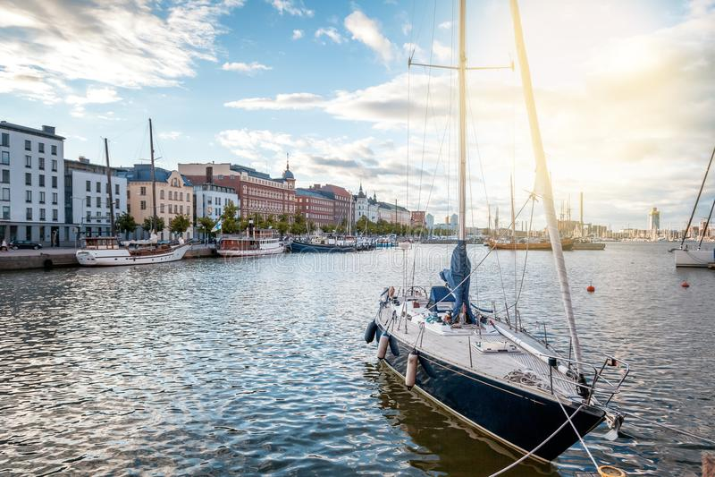 Όμορφη εικονική παράσταση πόλης, Ελσίνκι, η πρωτεύουσα της Φινλανδίας, άποψη του τ στοκ εικόνες με δικαίωμα ελεύθερης χρήσης