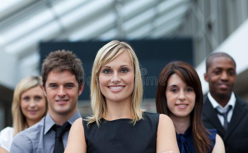 όμορφη επιχειρηματίας η κ&omic στοκ εικόνες με δικαίωμα ελεύθερης χρήσης