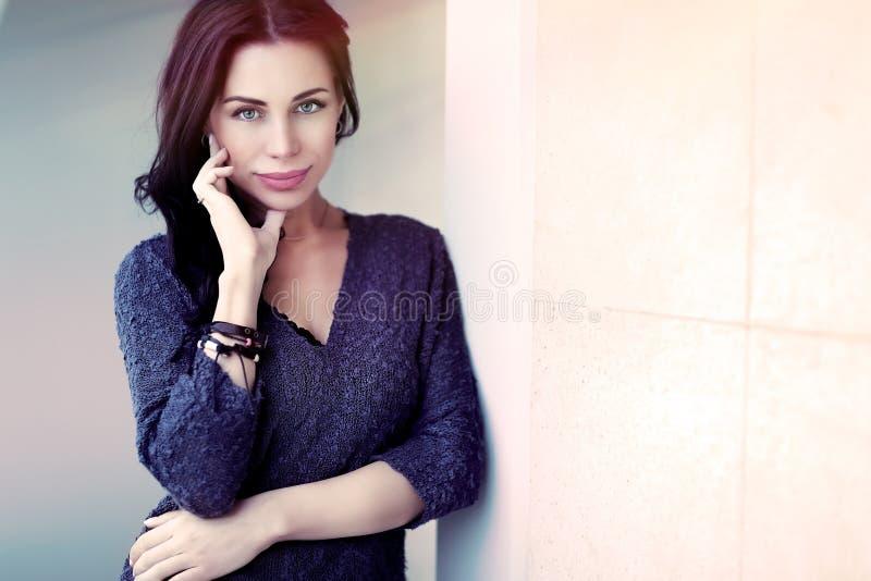 Όμορφη ευγενής γυναίκα στοκ φωτογραφίες