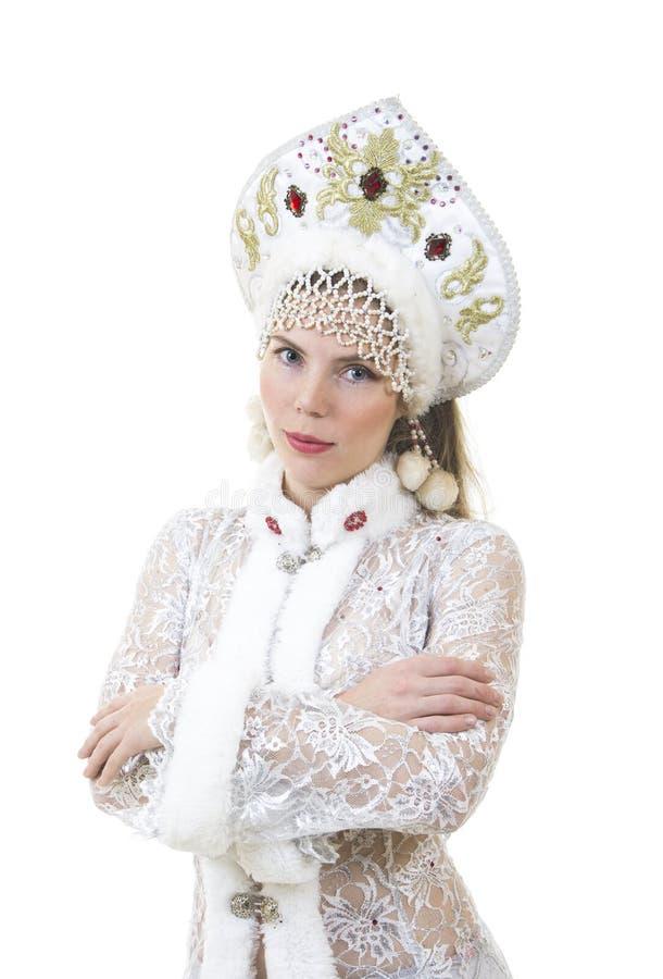 Όμορφη, ευτυχής γυναίκα με μακρυμάλλη, ντυμένος ως χαμόγελο Άγιου Βασίλη Χριστούγεννα - νέο έτος καρναβάλι στοκ εικόνες με δικαίωμα ελεύθερης χρήσης