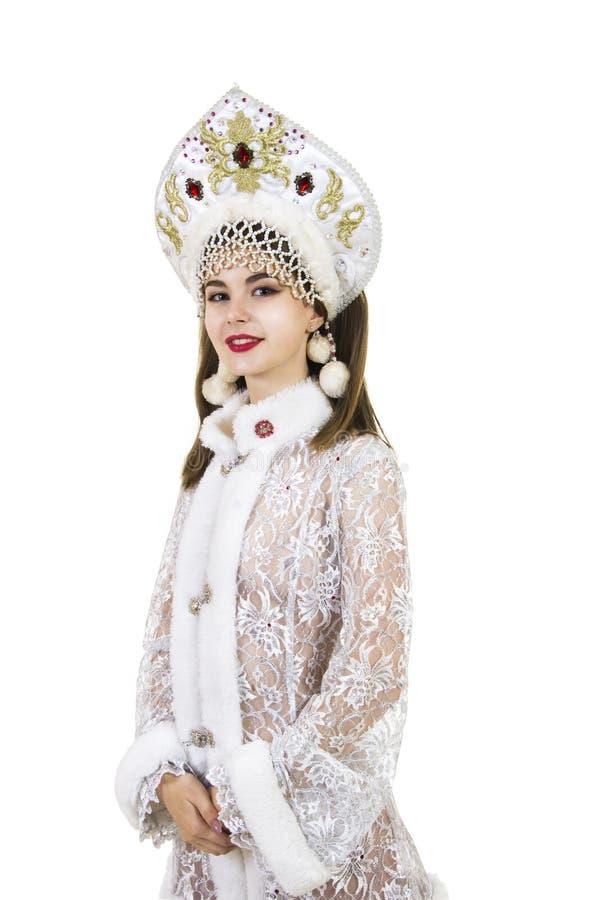 Όμορφη, ευτυχής, συναισθηματική νέα γυναίκα με μακρυμάλλη, ντυμένος όπως το χαμόγελο Άγιου Βασίλη Χριστούγεννο-νέο έτος καρναβάλι στοκ φωτογραφίες με δικαίωμα ελεύθερης χρήσης