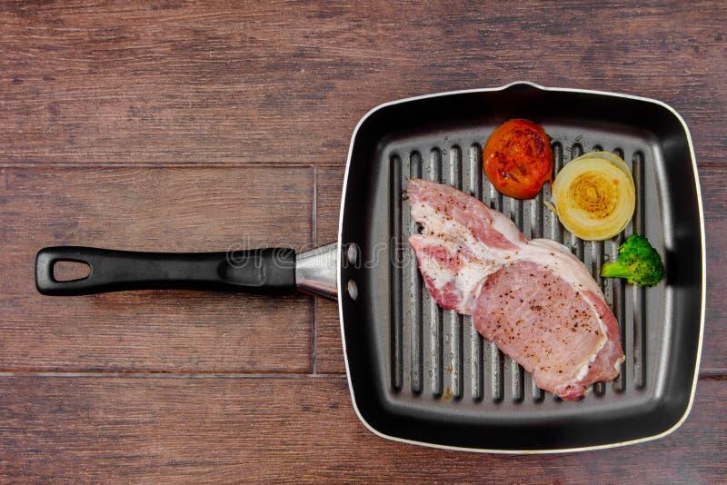 όμορφη εύγευστη μπριζόλα χοιρινού κρέατος στοκ φωτογραφία