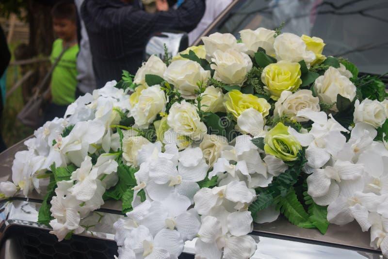 Όμορφη ζωηρόχρωμη ανθοδέσμη τριαντάφυλλων στοκ εικόνα