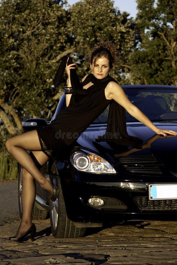 όμορφη ηλιόλουστη γυναίκ& στοκ εικόνες με δικαίωμα ελεύθερης χρήσης