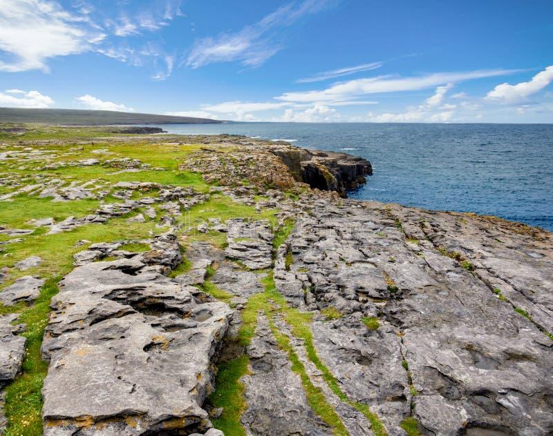 Όμορφη θέα των Cliffs of Moher Aillte an Mhothair, στην άκρη της περιφέρειας Burren στην κομητεία Clare της Ιρλανδίας στοκ εικόνες