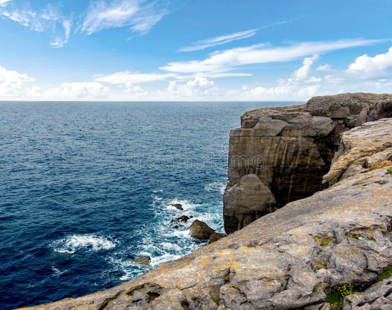 Όμορφη θέα των Cliffs of Moher Aillte an Mhothair, στην άκρη της περιφέρειας Burren στην κομητεία Clare της Ιρλανδίας στοκ φωτογραφία με δικαίωμα ελεύθερης χρήσης
