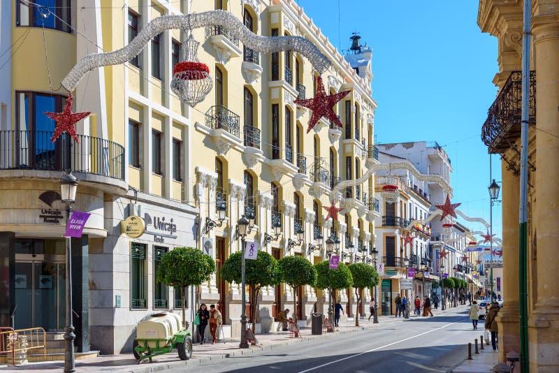 Όμορφη ισπανική αρχιτεκτονική, που διακοσμείται πριν από τις διακοπές Χριστουγέννων στοκ φωτογραφία με δικαίωμα ελεύθερης χρήσης
