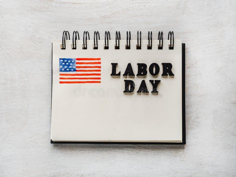 Όμορφη κάρτα με τα συγχαρητήρια στη Εργατική Ημέρα στοκ εικόνες με δικαίωμα ελεύθερης χρήσης