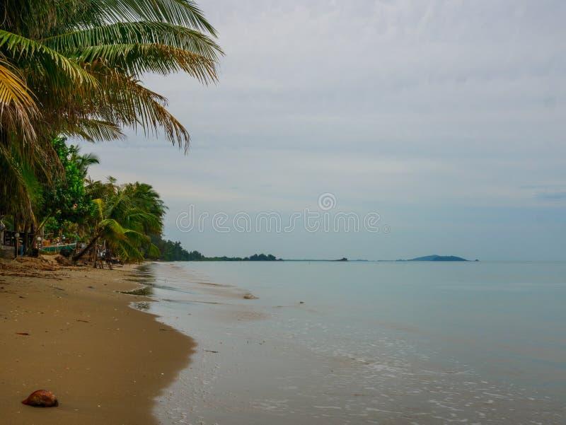 Όμορφη και ειρηνική παραλία σε Chanthaburi, Ταϊλάνδη στοκ φωτογραφίες με δικαίωμα ελεύθερης χρήσης