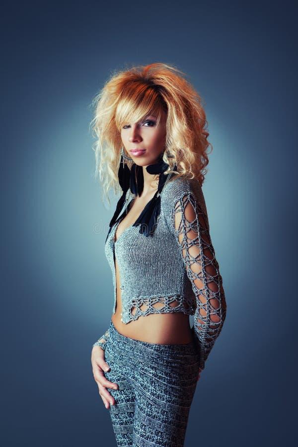 όμορφη καυκάσια γυναίκα π& στοκ εικόνα με δικαίωμα ελεύθερης χρήσης