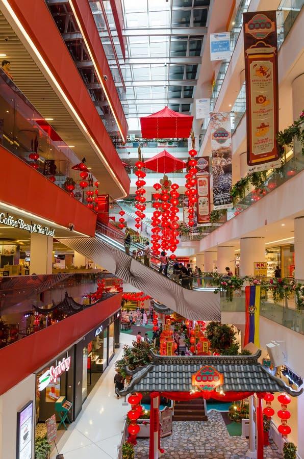 Όμορφη κινεζική νέα διακόσμηση έτους στη λεωφόρο Sunway Putra στοκ εικόνες