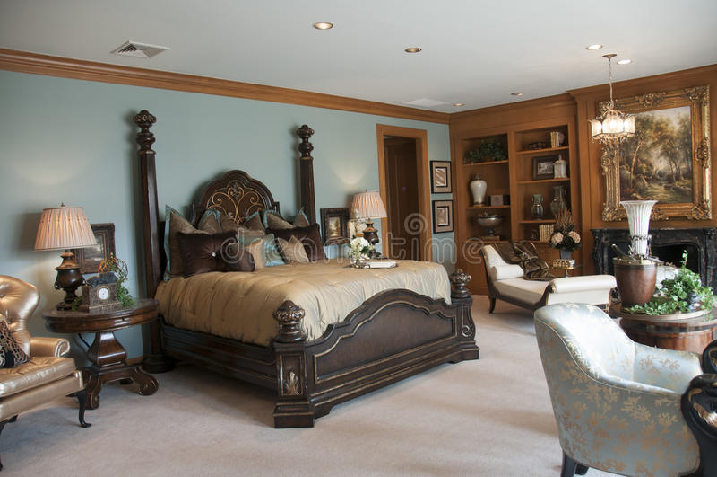 Όμορφη κύρια κρεβατοκάμαρα στοκ εικόνες με δικαίωμα ελεύθερης χρήσης