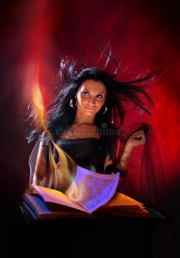 όμορφη μάγισσα στοκ φωτογραφίες