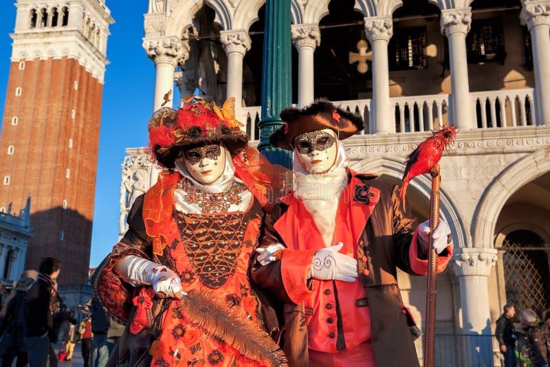 Όμορφη μάσκα καρναβαλιού στο τετράγωνο SAN Marco στη Βενετία, Ιταλία στοκ φωτογραφία με δικαίωμα ελεύθερης χρήσης