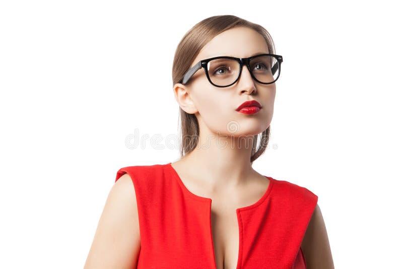 Όμορφη νέα γυναίκα με τα κόκκινα χείλια στοκ εικόνες με δικαίωμα ελεύθερης χρήσης