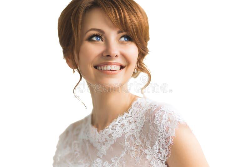 Όμορφη νέα νύφη με το γάμο makeup στοκ φωτογραφίες