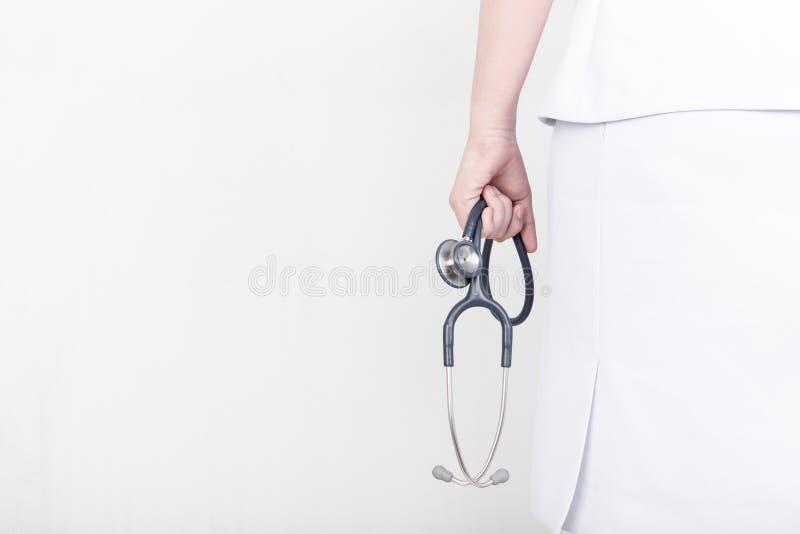 Όμορφη νοσοκόμα με ένα στηθοσκόπιο στοκ φωτογραφία με δικαίωμα ελεύθερης χρήσης