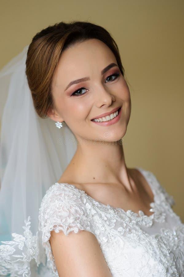 Όμορφη νύφη στη ημέρα γάμου της στοκ φωτογραφία με δικαίωμα ελεύθερης χρήσης