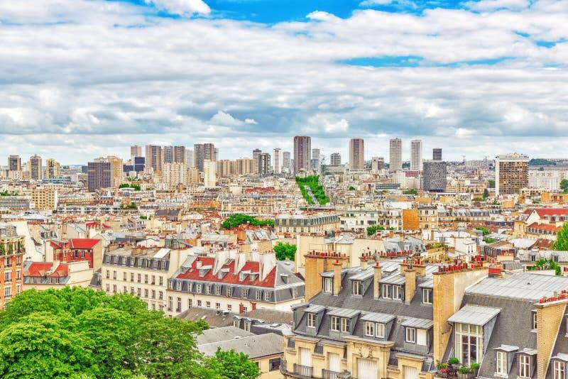 Όμορφη πανοραμική άποψη του Παρισιού από τη στέγη του Pantheon στοκ εικόνες