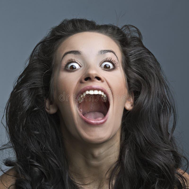 όμορφη παράφρων κραυγάζοντας γυναίκα στοκ εικόνα με δικαίωμα ελεύθερης χρήσης